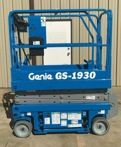 2002 GENIE GS1930 SCISSOR LIFT 19' REACH ELECTRIC 2388 HOURS STOCK # 5948-231938-ARB
