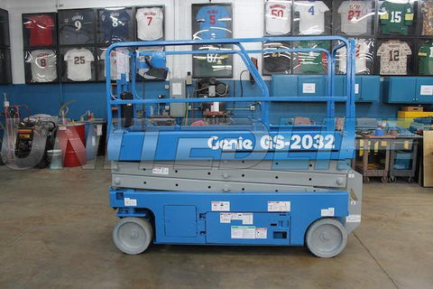 2012 GENIE GS2032 SCISSOR LIFT 20' REACH ELECTRIC SMOOTH CUSHION TIRES 29 HOURS STOCK # BF953529-WIB