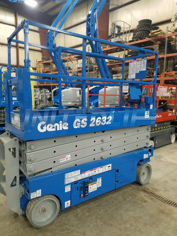 2011 GENIE GS2632 SCISSOR LIFT 26' REACH ELECTRIC SMOOTH CUSHION TIRES 292 HOURS STOCK # BF979529-WIB