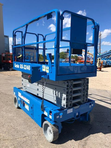 2012 GENIE GS3246 SCISSOR LIFT 32' REACH 24 VOLT ELECTRIC SMOOTH CUSHION TIRES 290 HOURS STOCK # BF973519-WIB