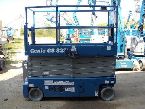 2013 GENIE GS3232 SCISSOR LIFT 32' REACH ELECTRIC SMOOTH CUSHION TIRES 264 HOURS STOCK # BF9106559-WIB
