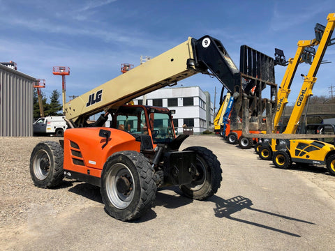 2013 (2017 REFURB) JLG G9-43A 9000 LB DIESEL TELESCOPIC FORKLIFT TELEHANDLER PNEUMATIC 4WD ENCLOSED CAB STOCK # BF9665299-HEOH