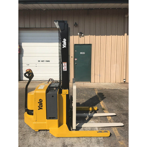 2006 YALE MSW040SFN24TV087 4000 LB ELECTRIC FORKLIFT WALKIE STACKER CUSHION 87/130 2 STAGE MAST 520 HOURS STOCK # 5575-03508D-ARB