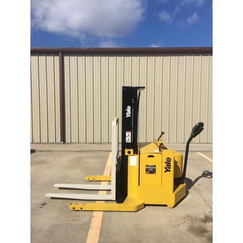 2002 YALE MSW040LCN24TE072 3800 LB ELECTRIC FORKLIFT WALKIE STACKER CUSHION 72/153 3 STAGE MAST 4607 HOURS STOCK # 5567-04168Z-ARB **OWN FOR ONLY $171 PER MONTH** - united-lift-equipment