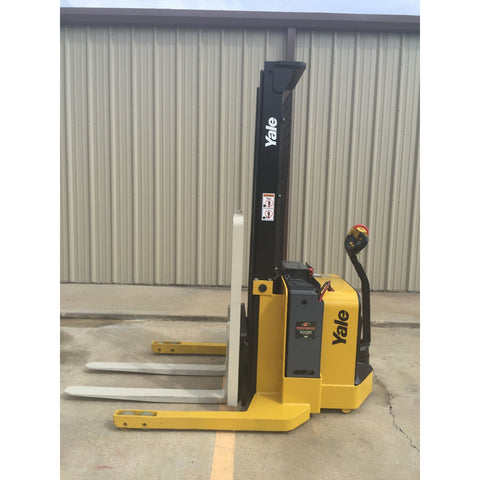 2012 YALE MSW040SFN24TV087 4000 LB ELECTRIC FORKLIFT WALKIE STACKER CUSHION 87/130 2 STAGE MAST 3924 HOURS STOCK # 7607-02702J-ARB
