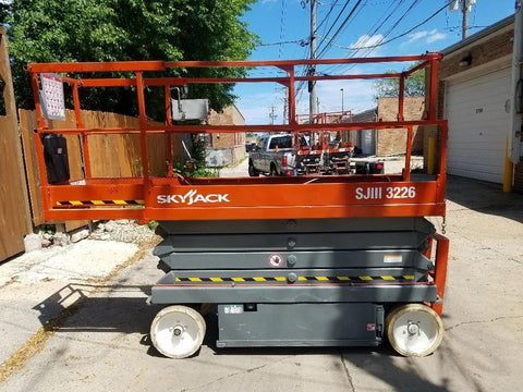 2003 SKYJACK SJIII3226 SCISSOR LIFT 500 LB 26' REACH ELECTRIC CUSHION TIRES 374 HOURS STOCK # BF9944529-WIB