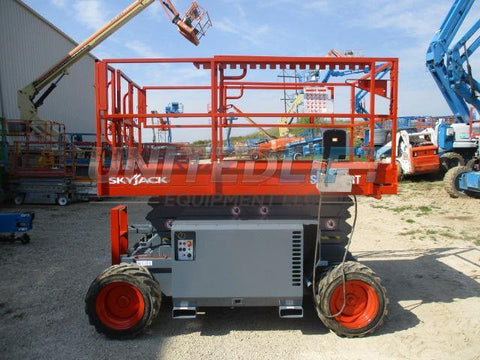 2012 SKYJACK SJ6832RT SCISSOR LIFT 32' REACH DUAL FUEL 1763 HOURS STOCK # BF9179549-WIB