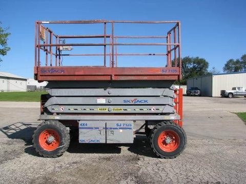 2011 SKYJACK SJ7135RT SCISSOR LIFT 35' REACH DIESEL PNEUMATIC TIRES 1653 HOURS STOCK # BF9125539-WIBIL