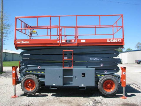 2005 SKYJACK SJ9250 SCISSOR LIFT 50' REACH DUAL FUEL PNEUMATIC TIRES 1295 HOURS STOCK # BF9138529-WIBIL