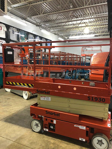 2005 SNORKEL S1930 SCISSOR LIFT 19' REACH ELECTRIC SMOOTH CUSHION TIRES 536 HOURS STOCK # BF936549-WIB
