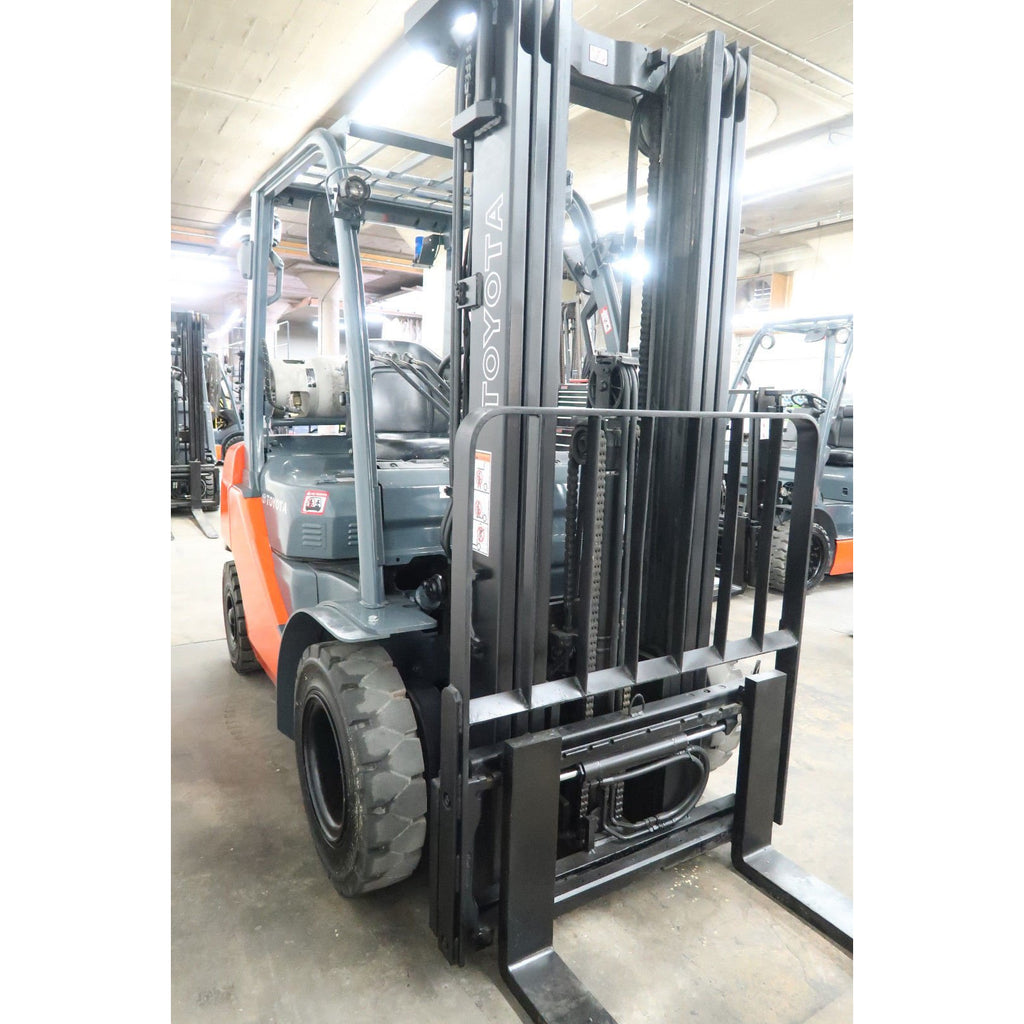 2014 Toyota 8fgu25 5000 Lb Lp Gas Forklift Pneumatic 83  189 3 Stage Mast Side Shifter 3235 Hours