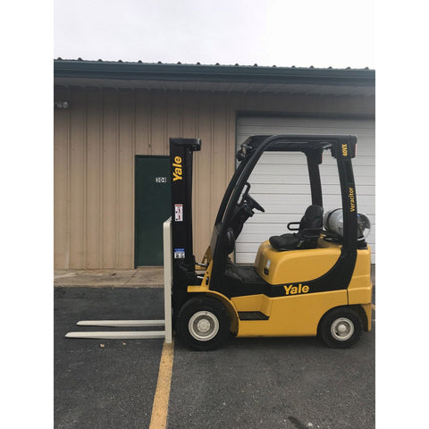 2006 YALE GLP040 4000 LB LP GAS FORKLIFT PNEUMATIC 84/130 2 STAGE MAST 7389 HOURS STOCK # 9349-02230D-ARB