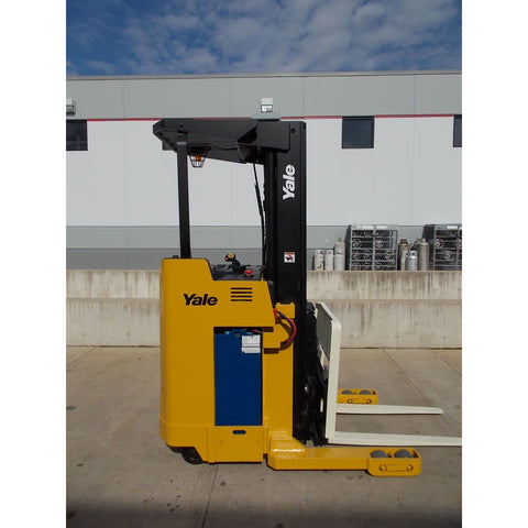 2006 YALE NR040AE 4000 LB 24 VOLT ELECTRIC REACH FORKLIFT 91/203 3 STAGE MAST SIDE SHIFTER STOCK # BF219612-RIL