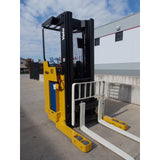 2006 YALE NR040AE 4000 LB 24 VOLT ELECTRIC REACH FORKLIFT 91/203 3 STAGE MAST SIDE SHIFTER STOCK # BF9128609-RILB