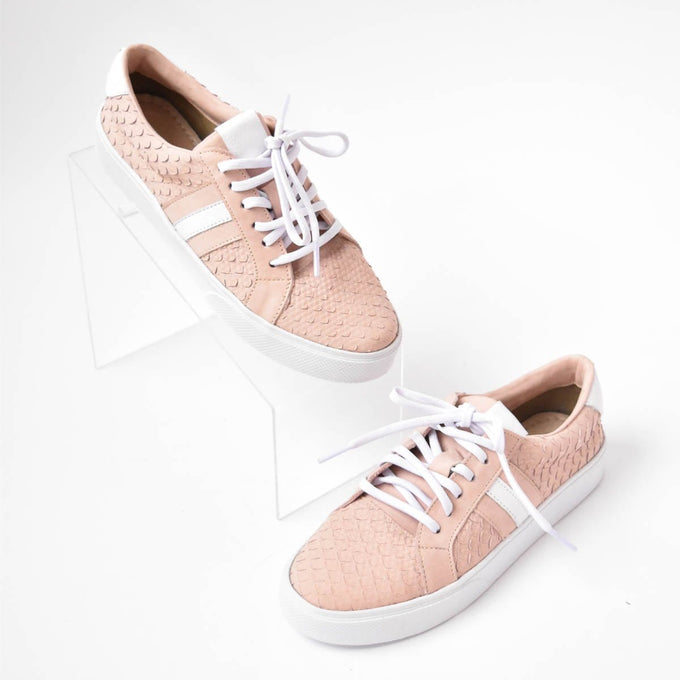 Kaanas Tatacoa Lace-Up Sneaker Rose