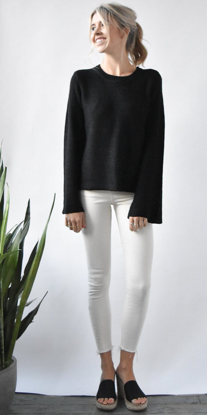 RD Style Knit Pullover Sweater in Black