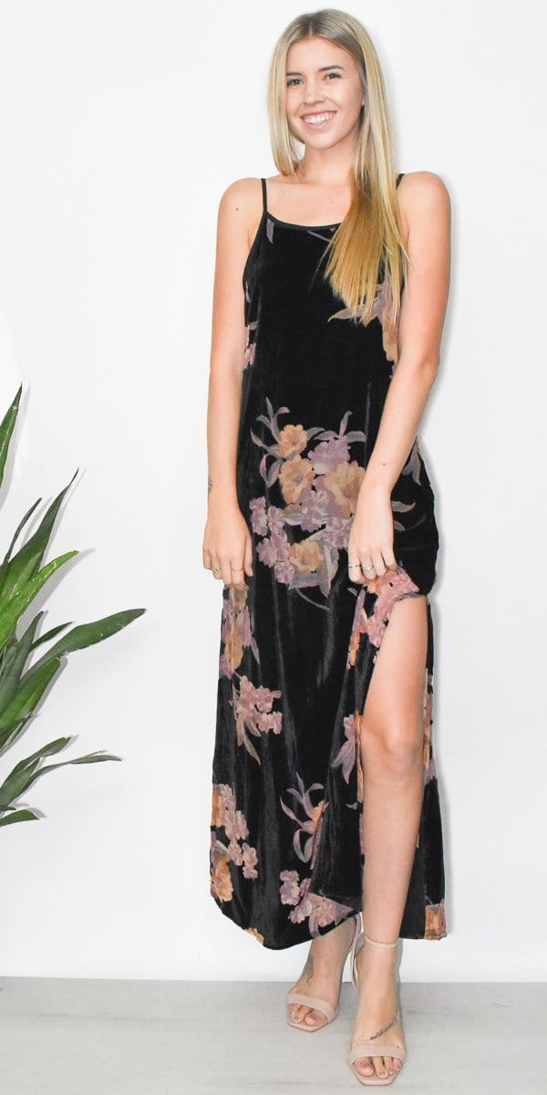 Band of Gypsies Mallorey Dress in Black Mauve Velvet