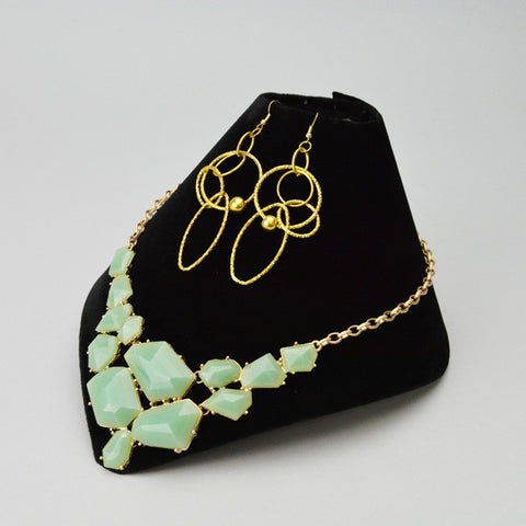 Folding Necklace Display - JewelryPackagingBox.com