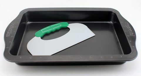 "Perfect Slice 9""x13"" Cake Pan w/ tool"