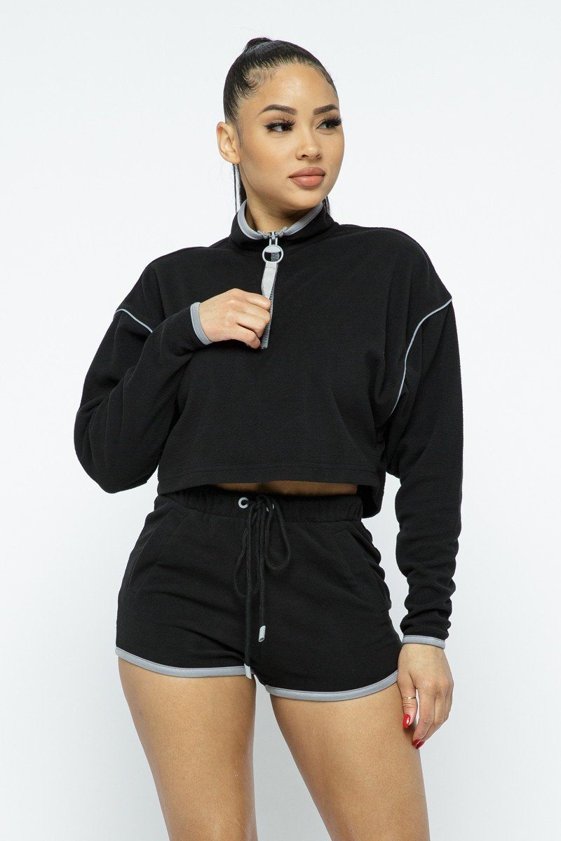 Capsulle Black Sporty Crop Top Sporty High-waist Shorts Set