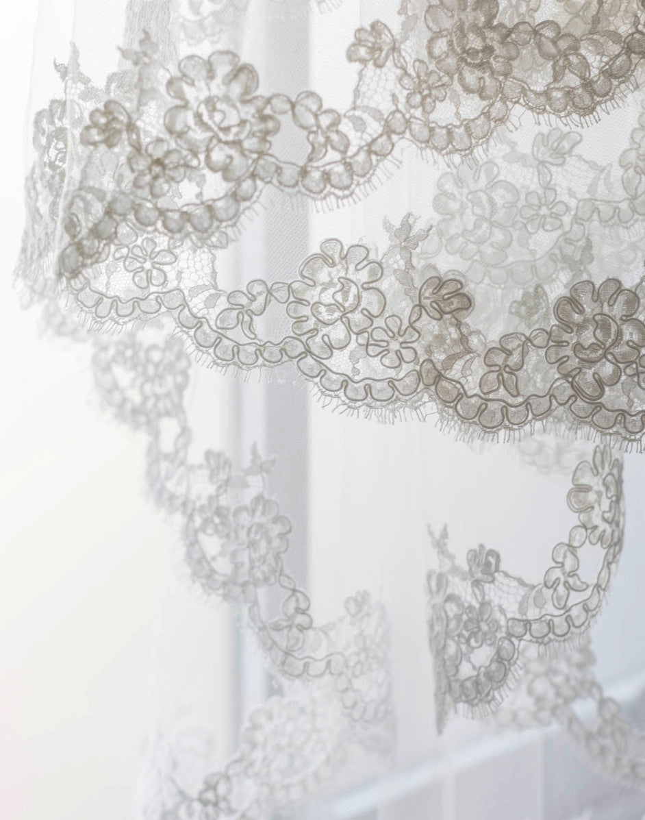 Adele Tulle Fingertip Veil with French Lace Trim - Elle + Adhira