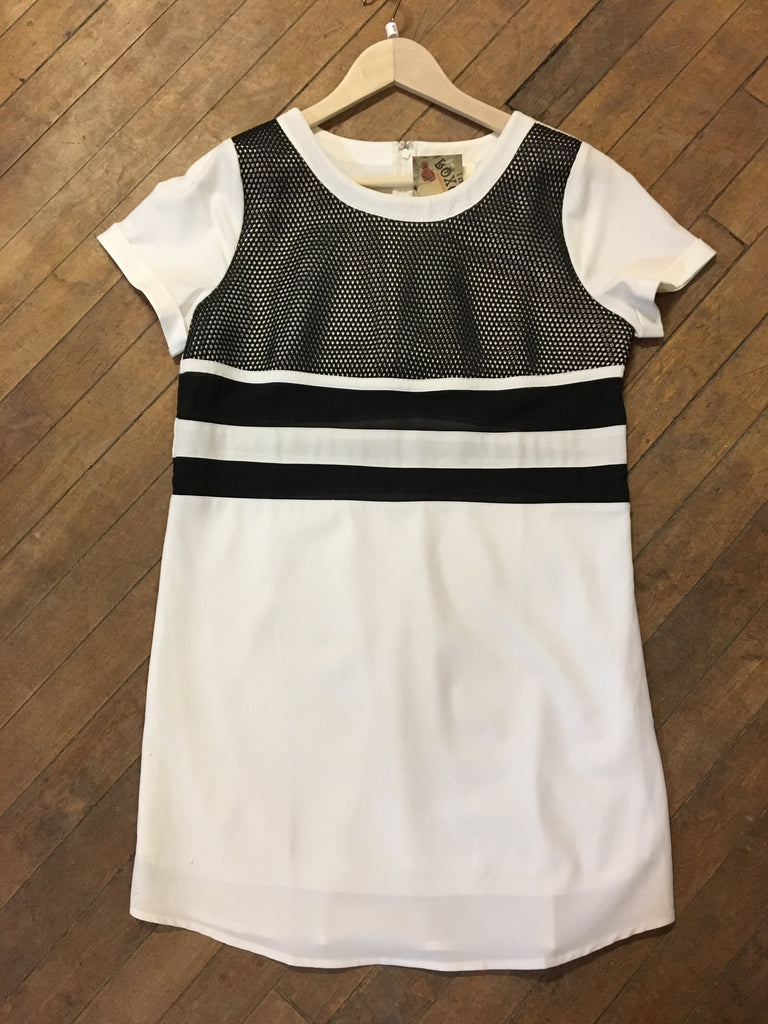 Junior Short Sleeve Mesh Dress