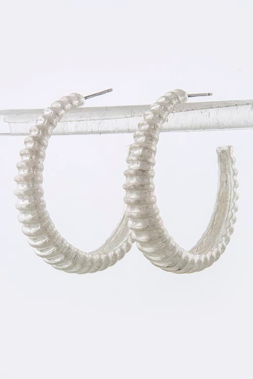 Carved Line Hoop Earrings