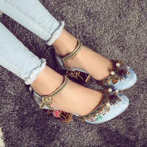 Suede Embellished Flower Round Toe Chunky Heel Sandals