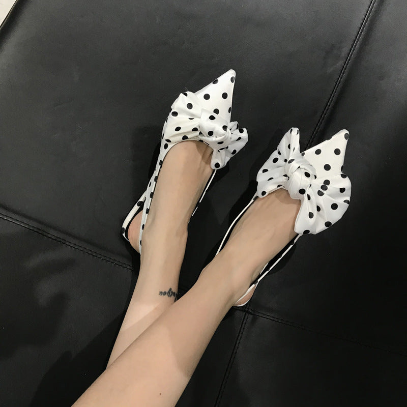 Pointed wave point bow flat sandals and round point half sandals