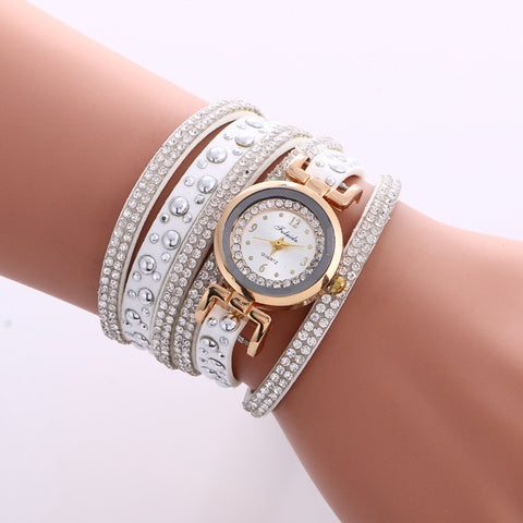 Beautiful Crystal Snowflake Golden Dial Watch