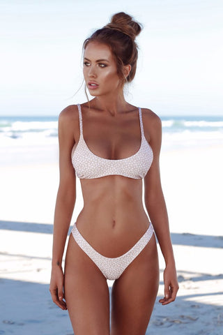 Simple Style Spaghetti Straps Solid Color Low Waist Swimwear