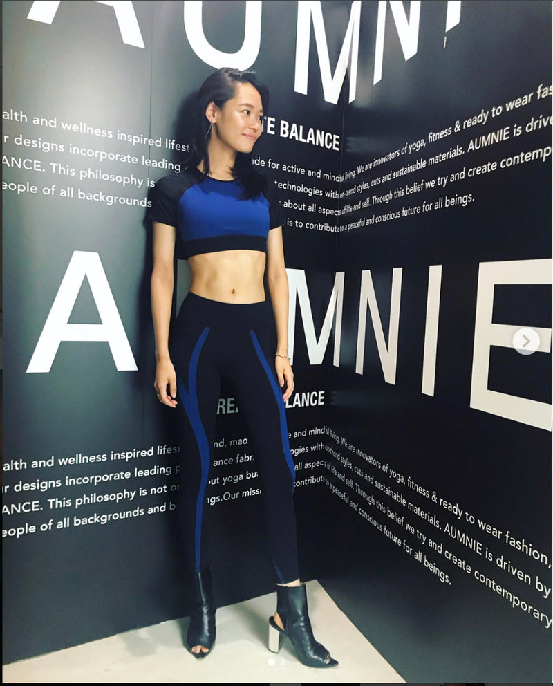 Color Block Cropped T-shirt with Low Waist Leggings Two Pieces Yoga Sports Set