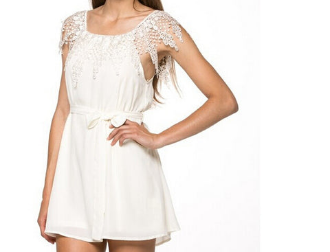 Off Shoulder Contracted Lace Dress