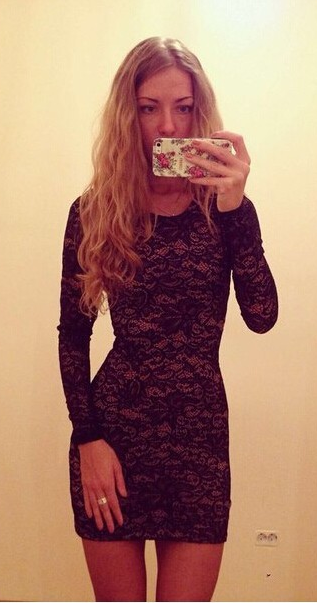 Pure Color Hollow Out Lace Long Sleeves Slim Scoop Short Dress - Meet Yours Fashion - 3