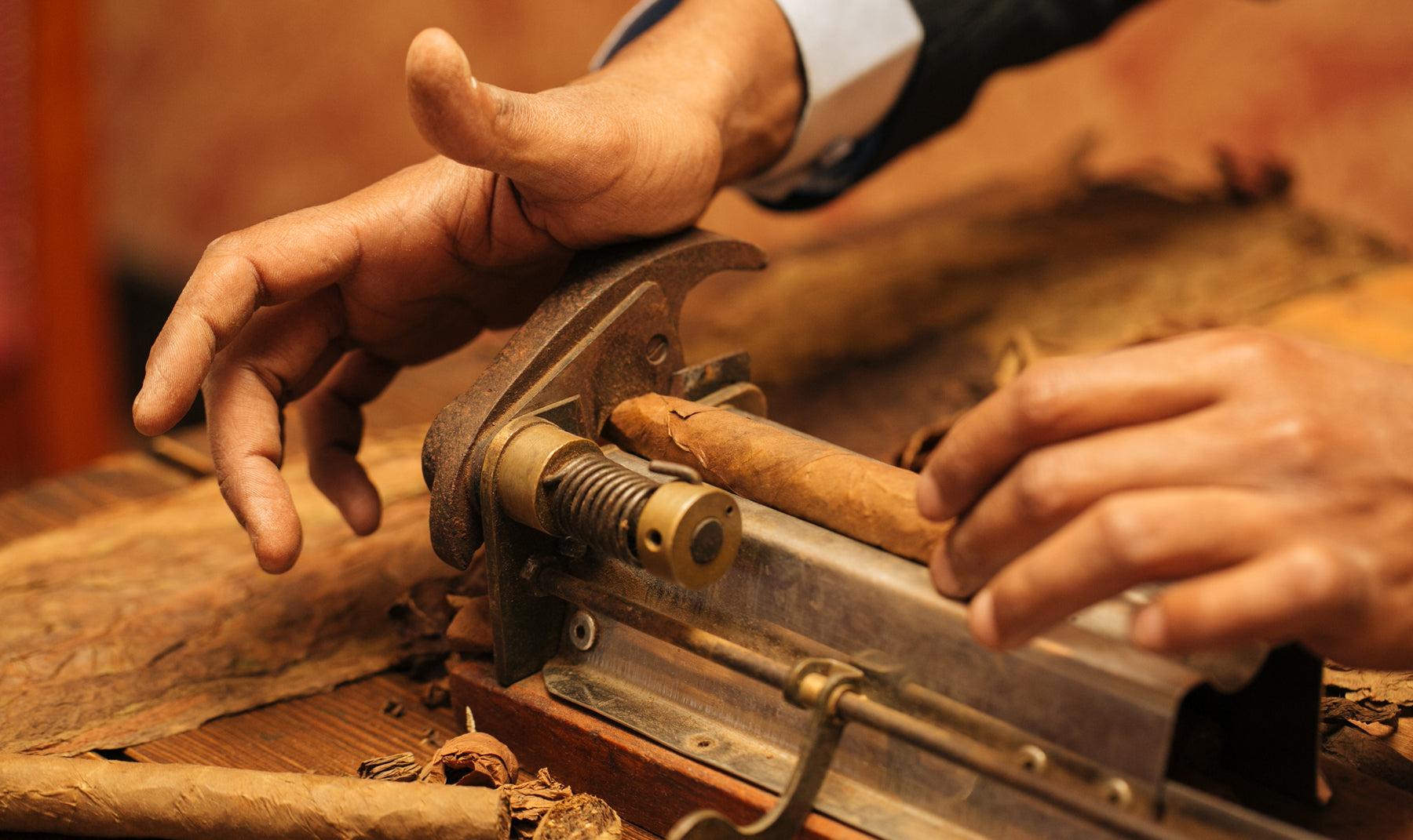 A Gentle Touch: Hand-Rolling Cigars