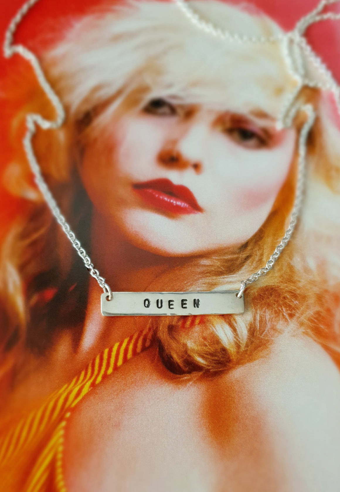 Queen Bar Necklace