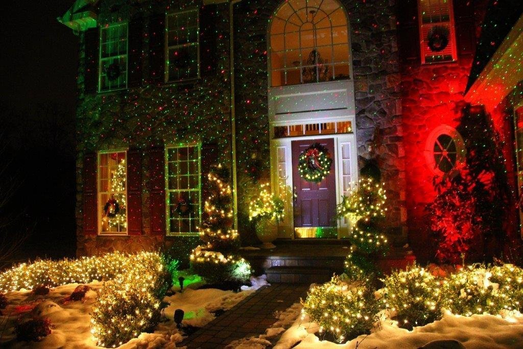 Christmas Laser Lights Outdoor Projector lights with Remote Control by Fashion Teddy, IP65 Waterproof,Red and Green Laser Light Show Garden Spotlight For Xmas Holiday Party Landscape