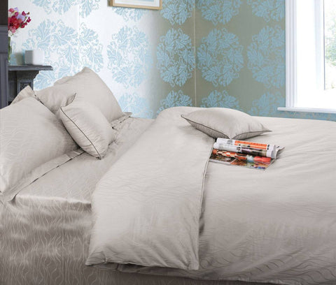 375 Thread Count Wave Jacquard Cotton Quilt Cover Set Ramesses in 4 colour options