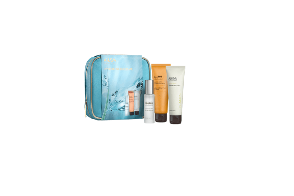 INVIGORATING SEA ESCAPE. When traveling, this kit is all you need from head to toe. - SustainTheFuture - 1