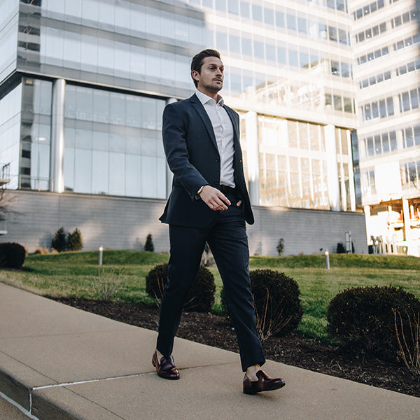 Can loafers be worn with a suit?