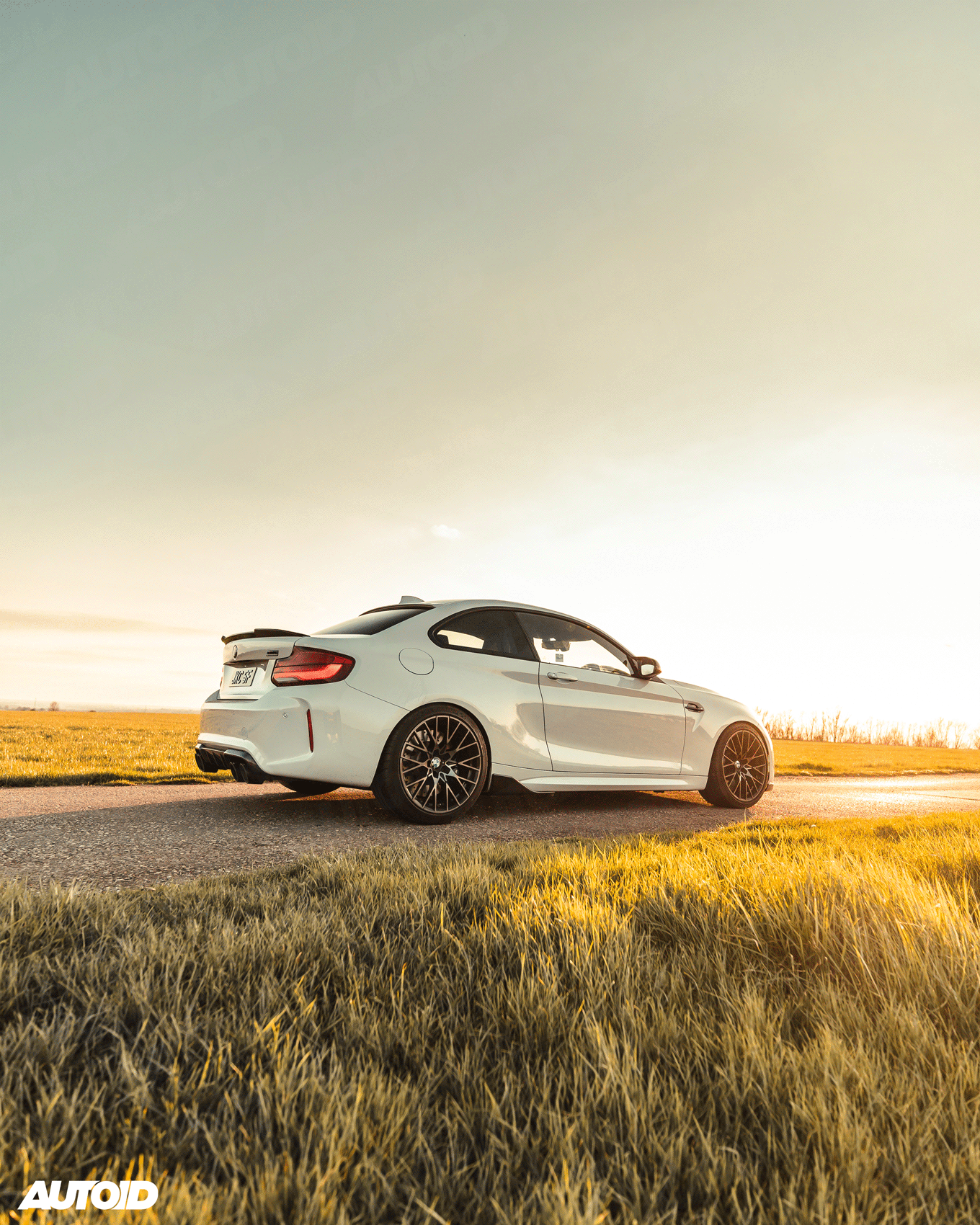 BMW M2 Competition - Side