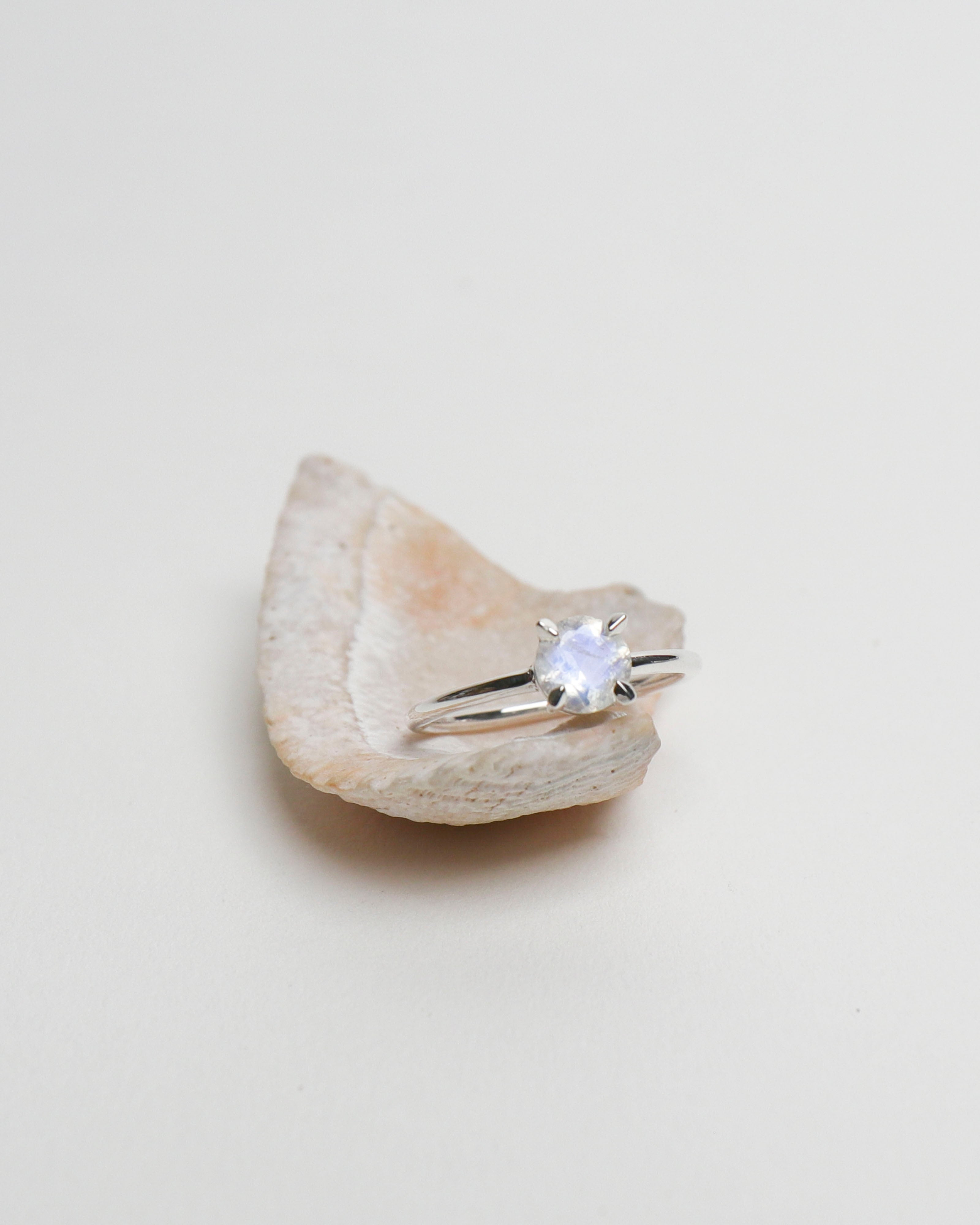 6mm Round Moonstone Ring [US6.5]