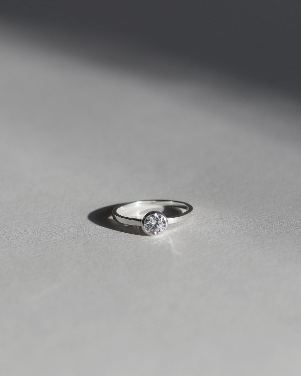 Cubic Zirconia Ring: Circle
