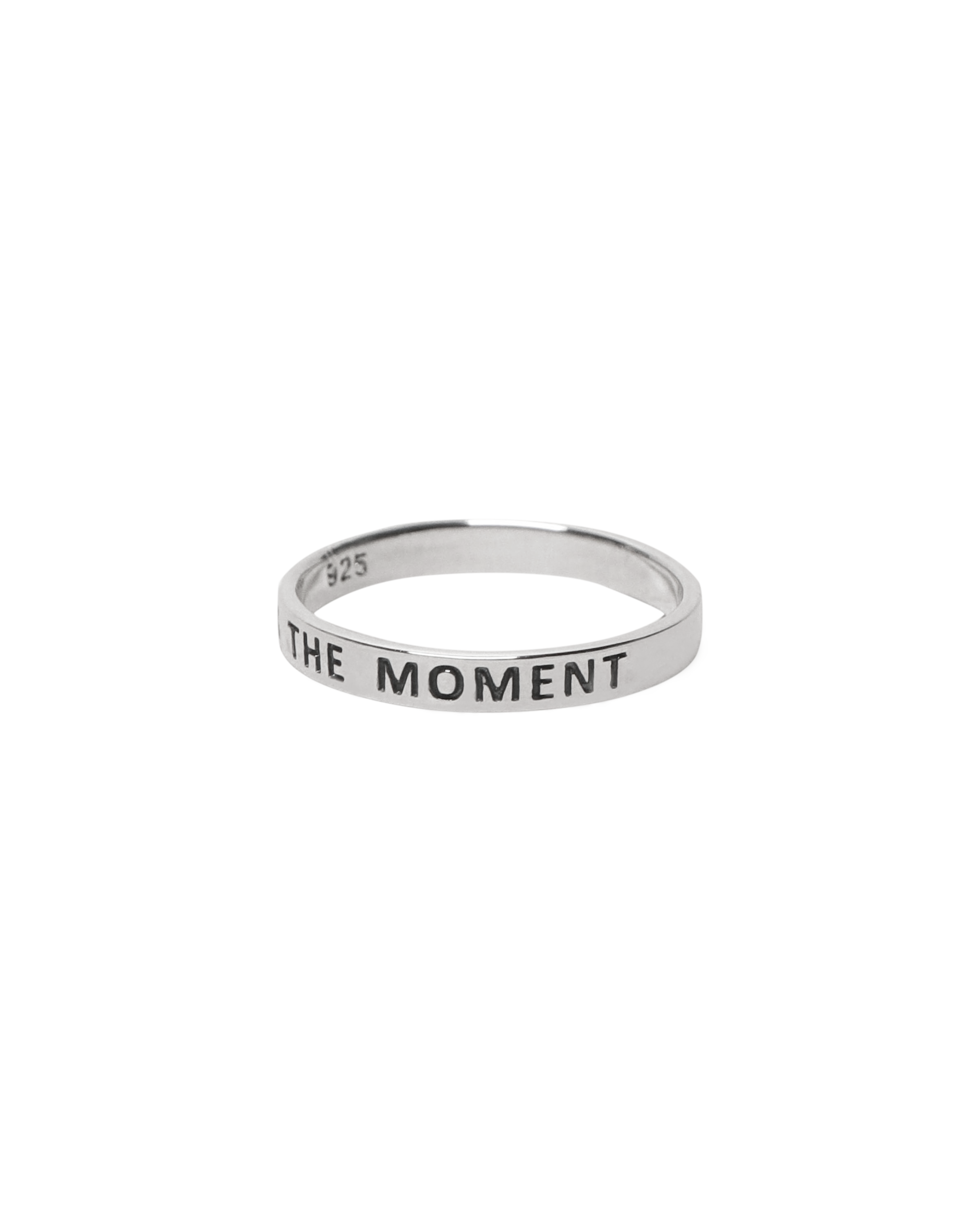 LIVE IN THE MOMENT Ring