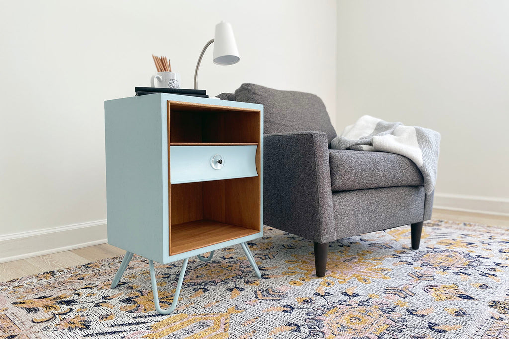 Picture of: A Diyhairpinlegs Build Sky Blue Mid Century Modern End Table Diy Hairpin Legs