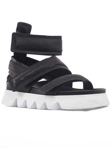 Puro Shoes Down2Earth Sandal, Black/White