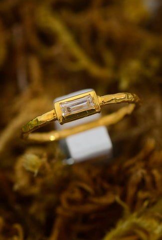 Robindira Unsworth E-W White Topaz Baguette Ring, Gold