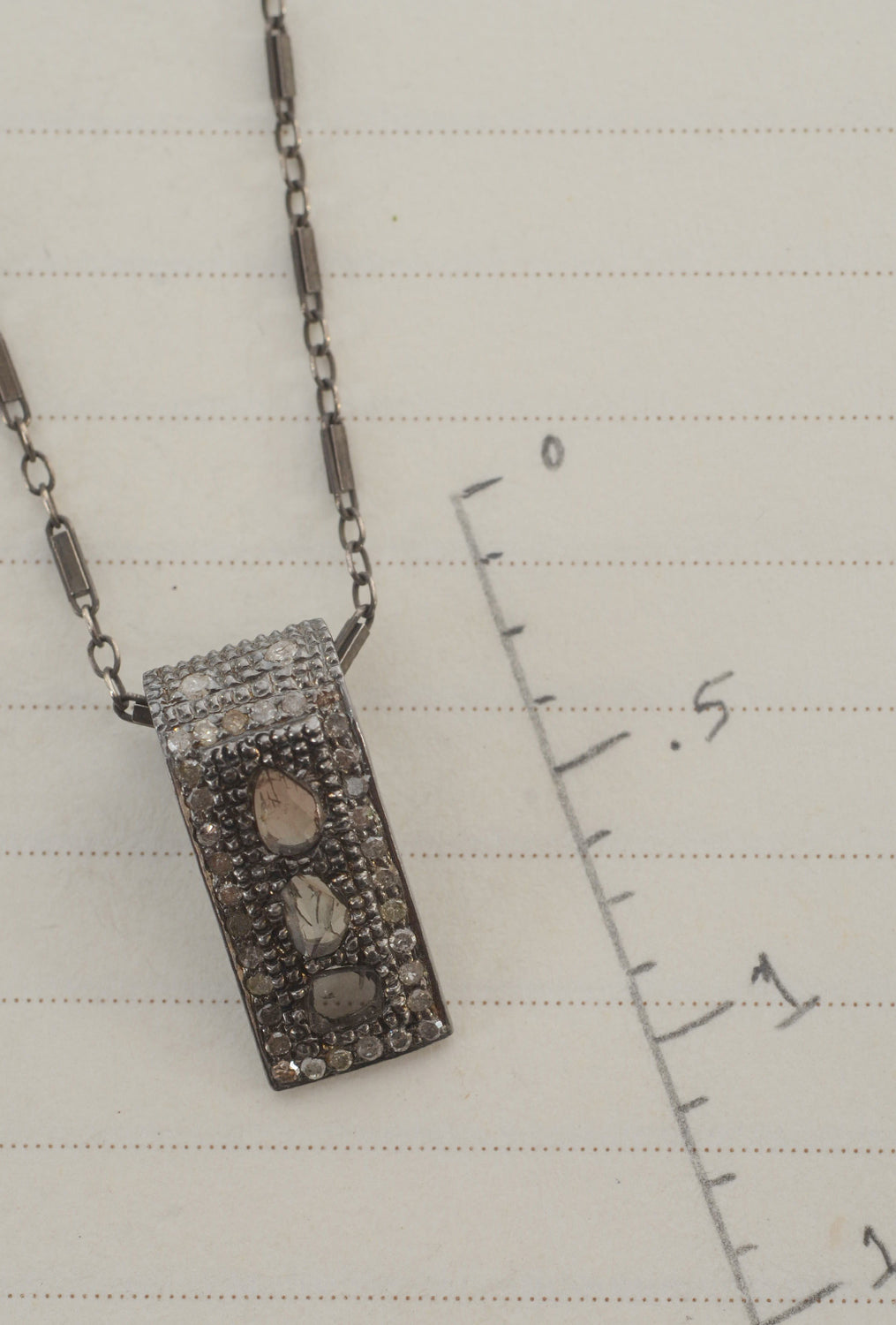 Robindira Unsworth Short Vertical Diamond Pendant Diamonds