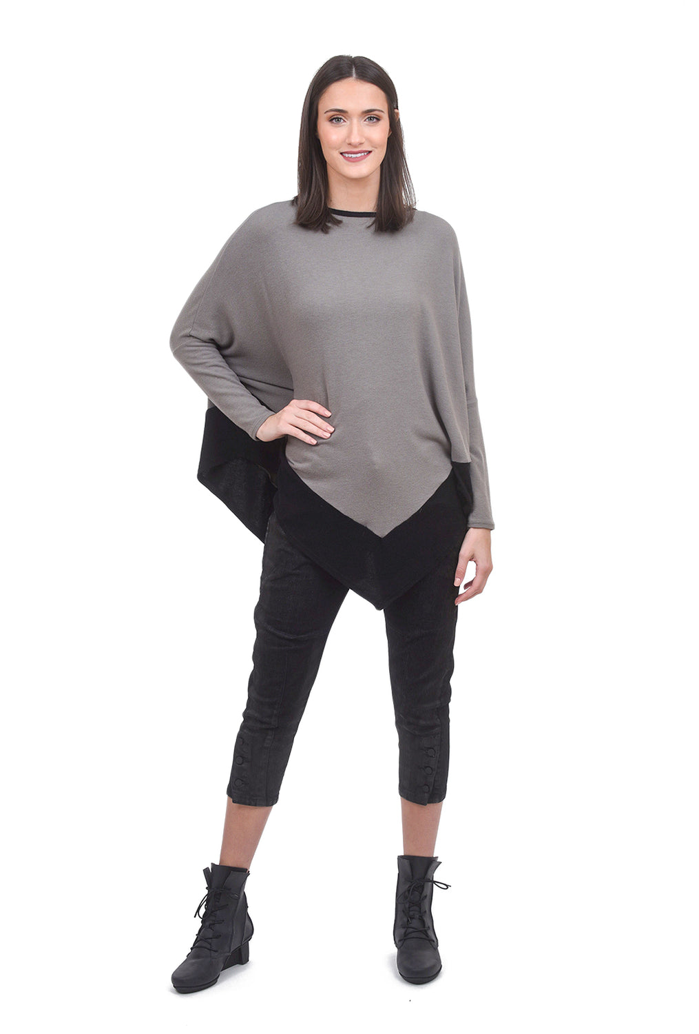 Stark x Plush Pointed Contrast Top, Army/Black