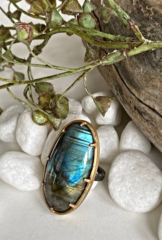 Robindira Unsworth Giant Labradorite Prong Ring